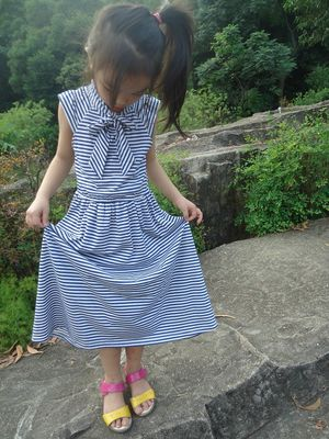 Chiny Blue Striped Age 5 Little Girl Letnie sukienki Long Bow Girls Knot Dress OEM dostawca